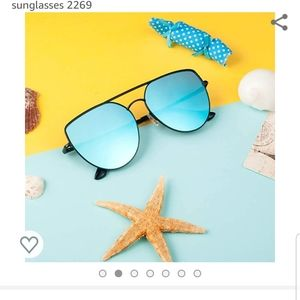 NEW sunglasses with accessories